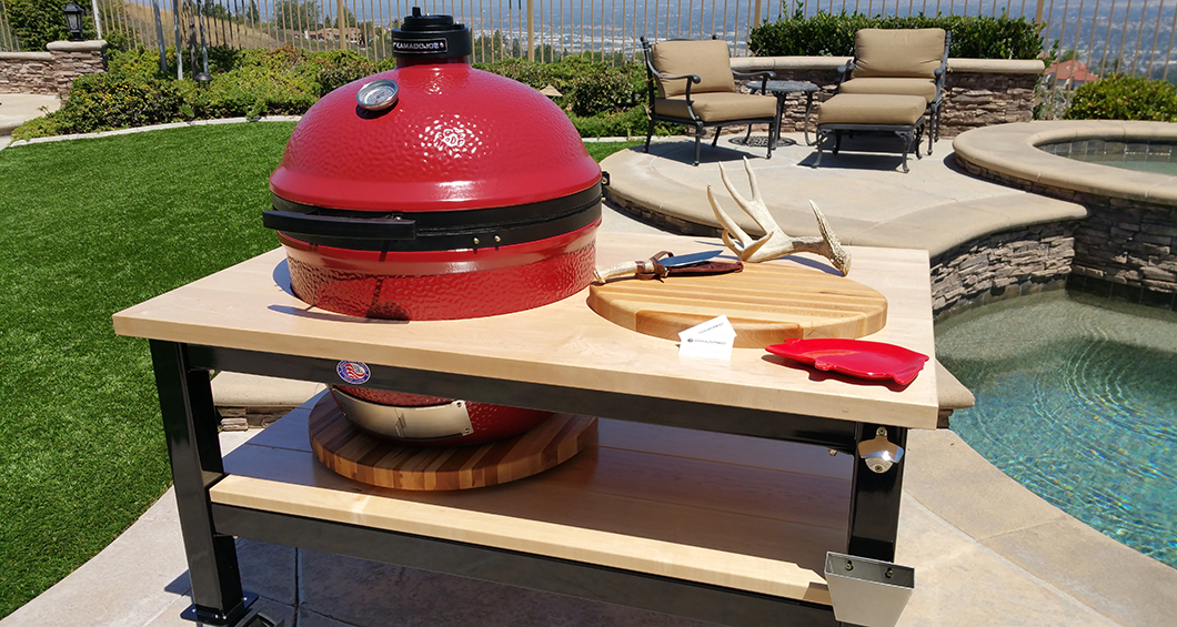 Designed To House A Kamado U201cBig Joeu201d Or XL Big Green Egg This Table Is  Built With A Hard Rock Maple Top And Matching Lower Shelf.